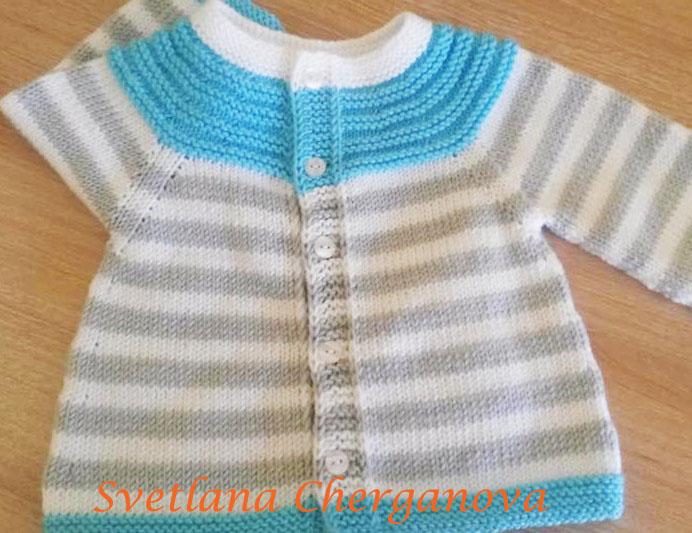 плетено-бебешко-пуловерче-със-задно-закопчаване