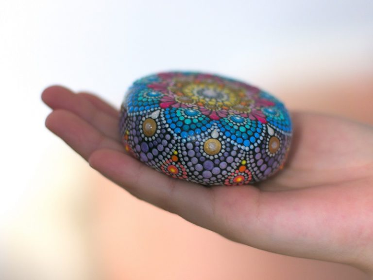 релаксиращ-камък-мандала