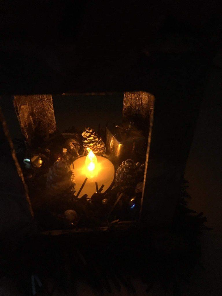 Коледен-светещ-фенер