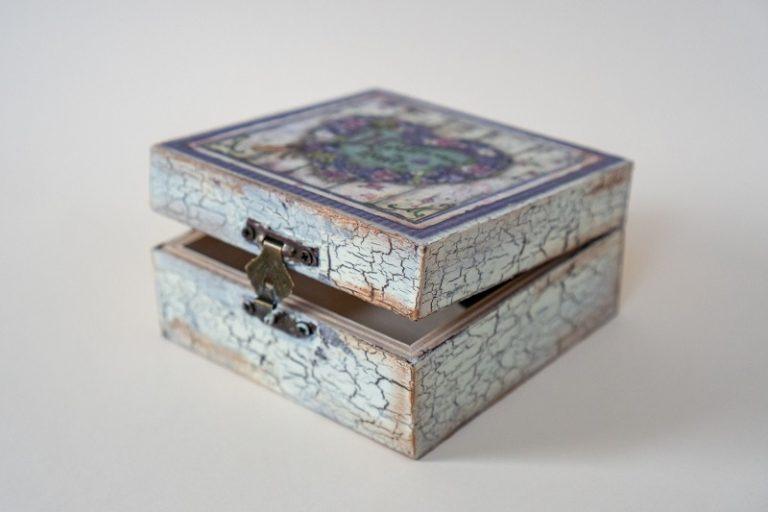 дървена-кутия-за-бижута