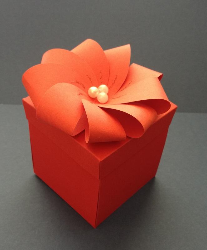експлодираща-кутия-със-сърца