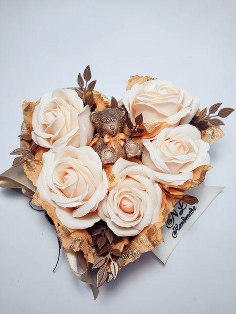 Ръчно-изработена-Кашпа-с-ароматни-сапунени-рози
