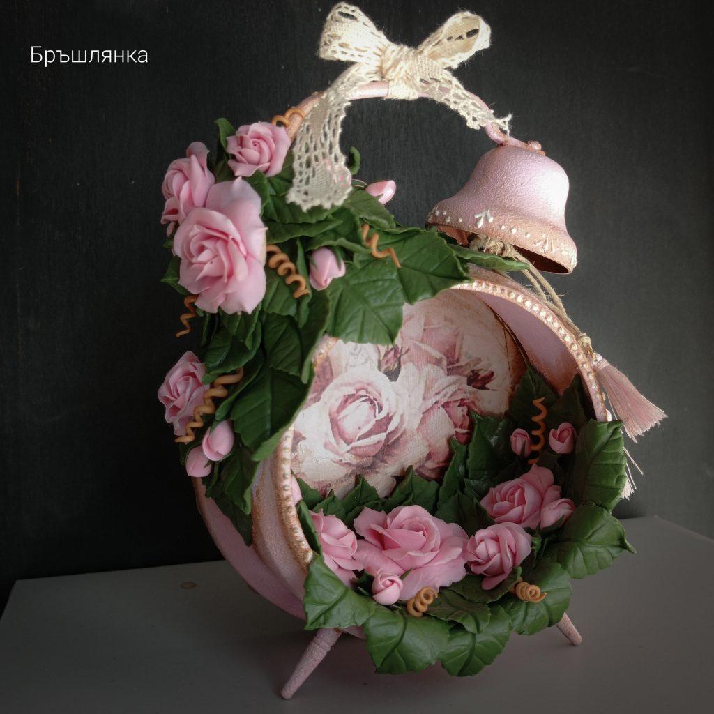 винтидж-декоративен-будилник-с-рози