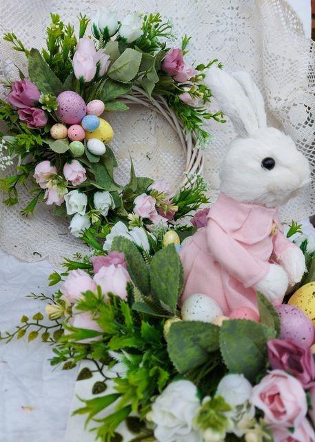 великденска-декорация-зайка-в розова-роля